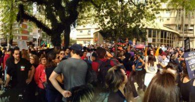 Marcha inicia greve dos municipários de Porto Alegre